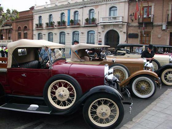 Coches clásicos en Alcalá de Henares