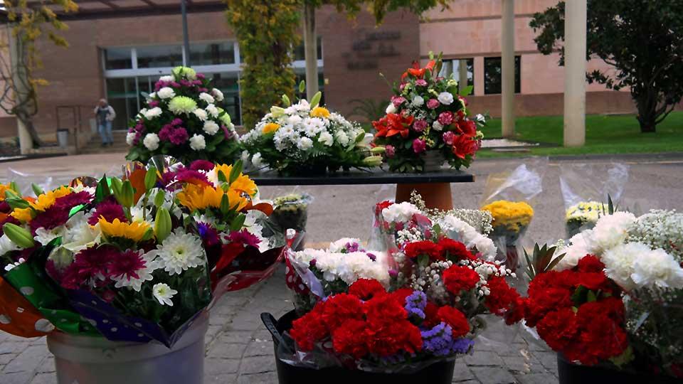Reabre la cafeter a del cementerio jard n alcal hoy for Cementerio jardin de alcala de henares