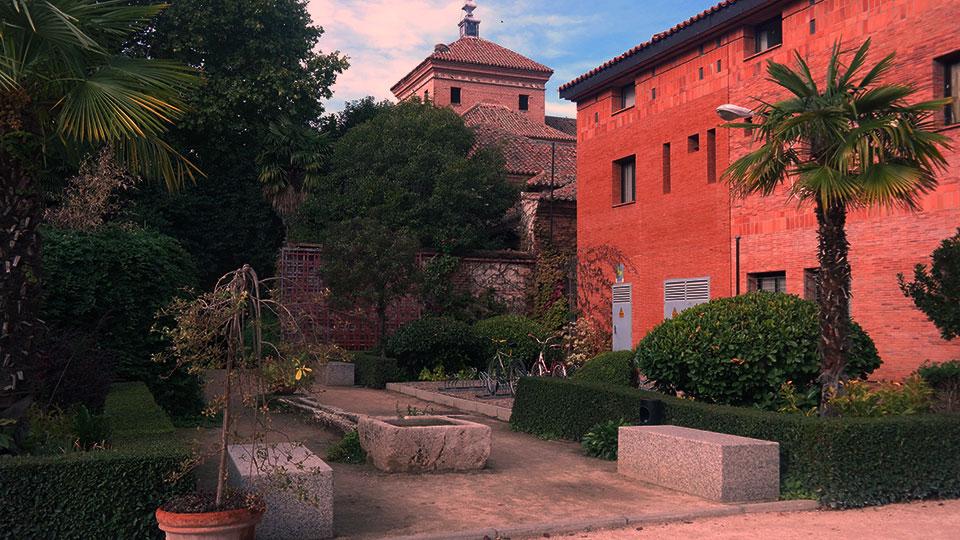 Jardines universitarios en otoño