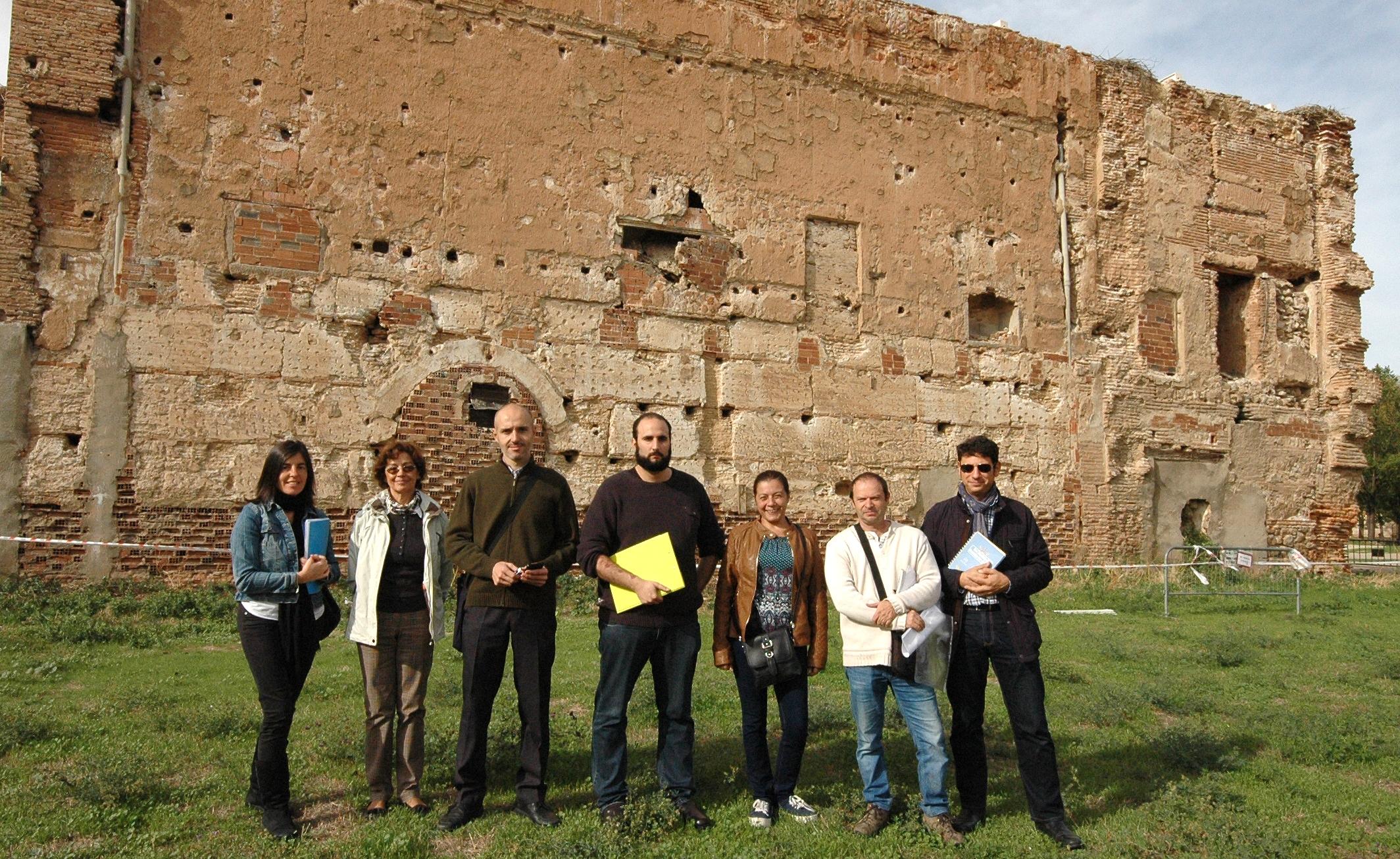 En las ruinas del Palacio Arzobispal