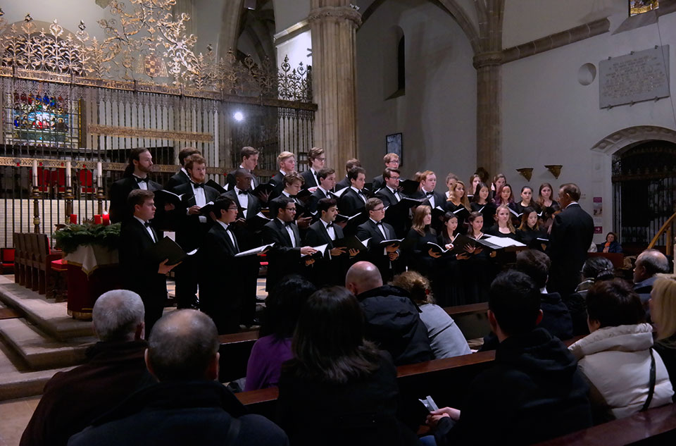 Coro Glee Club de la Universidad de Dartmouth