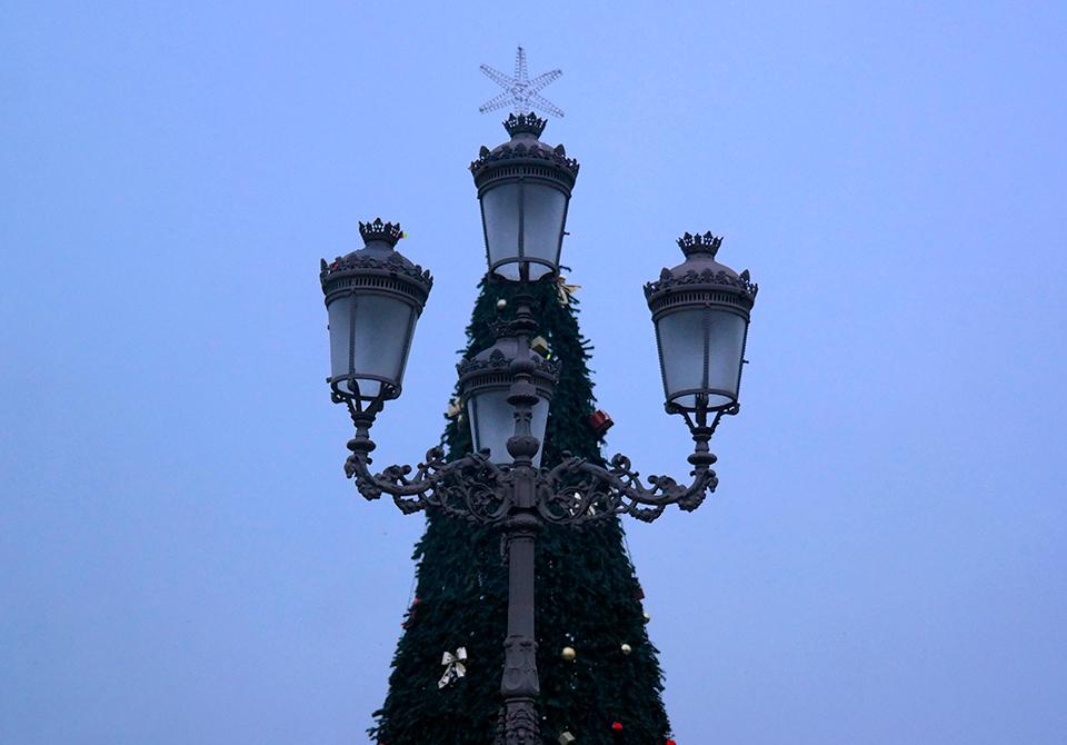 Árbol-farola de Navidad