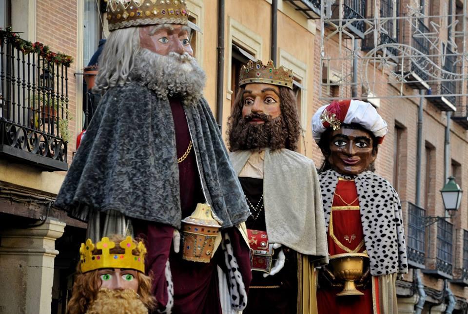 Reyes Magos gigantes en Alcalá