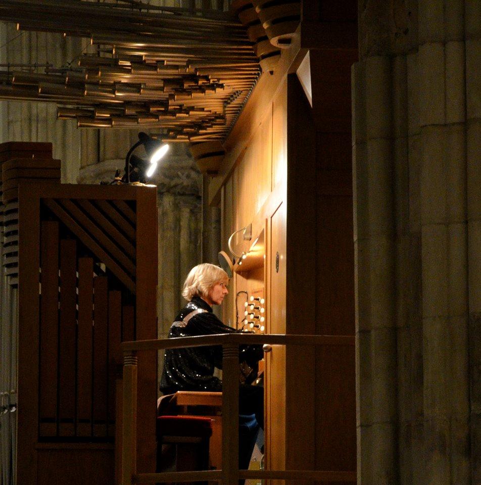 Concierto de rgano y misa de a o nuevo en la catedral for Concierto hoy en santiago