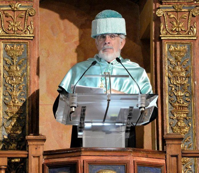 Forges, investido Doctor Honoris Causa en la Universidad de Alcalá