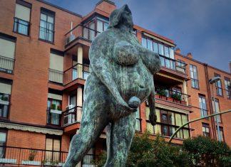 Escultura en Via Complutense