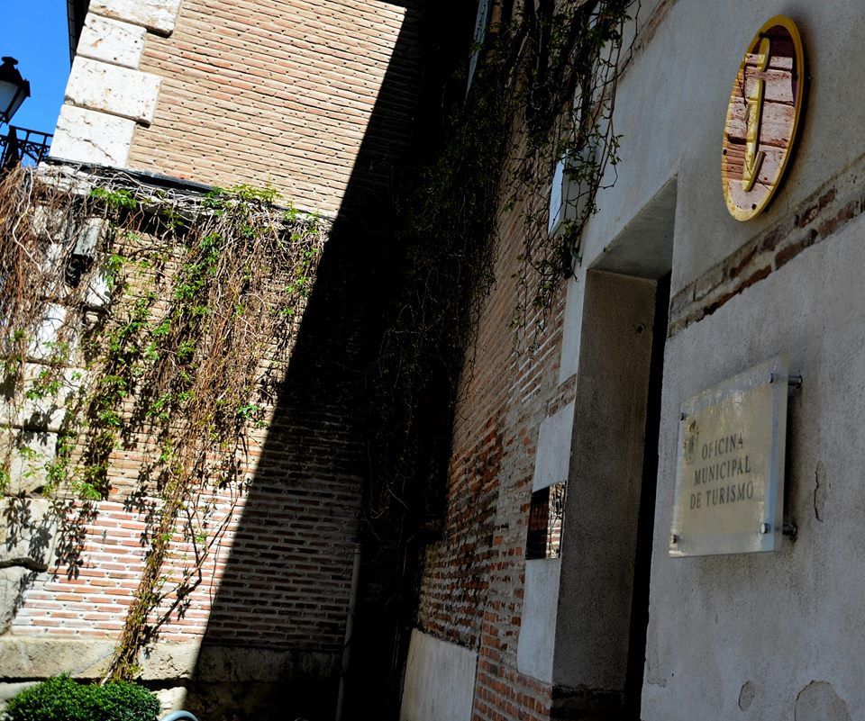 Oficinas de turismo cerradas durante el domingo cervantino for Oficina inem alcala de henares