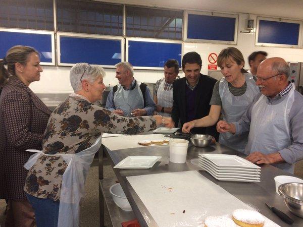 Taller de cocina para parejas en Alcalá para fomentar la igualdad
