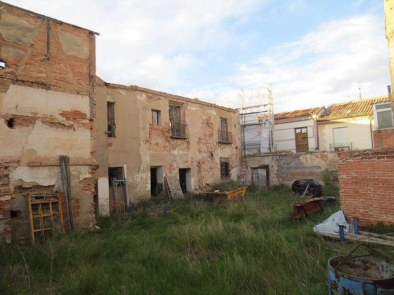 El edificio 39 bodegas criado 39 sale de la lista roja del - Fontaneros en alcala de henares ...