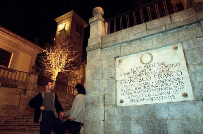 Polémica por los símbolos franquistas en Brunete