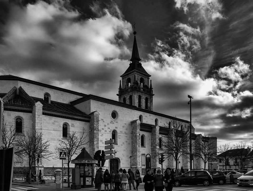Catedral en blanco y negro