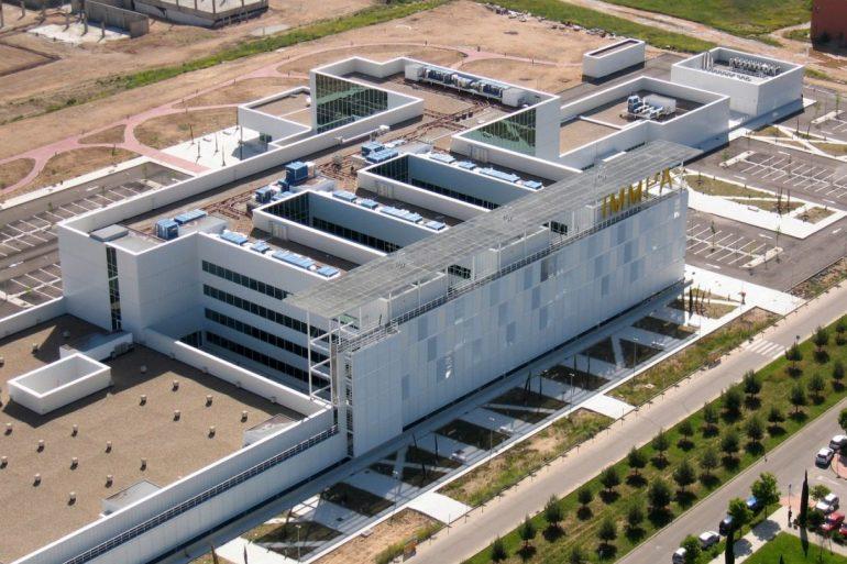 Edificio del Instituto Molecular Príncipe de Asturias en el Campus de la Universidad de Alcalá