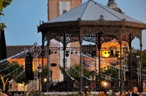 El kiosco de la Plaza en Ferias y Fiestas. Foto de Ricardo Espinosa Ibeas