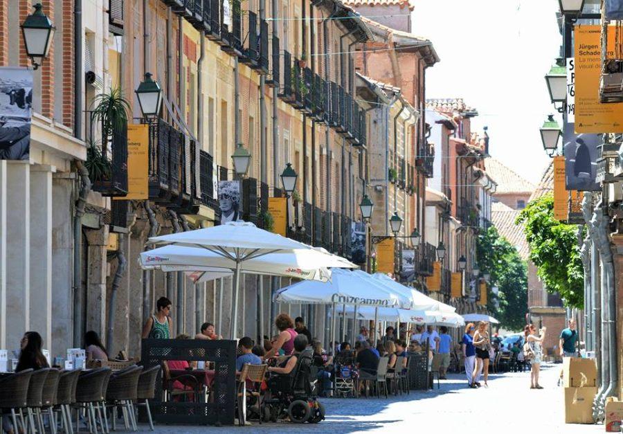 PhotoEspaña en la calle Mayor de Alcalá de Henares