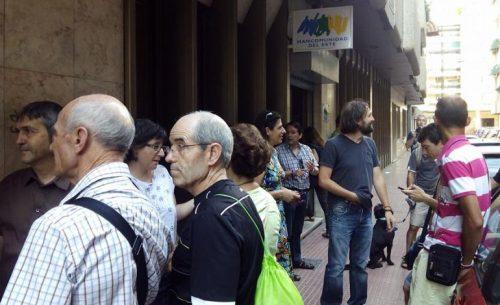 Manifestantes frente a la Mancomunidad del Este en la calle san Isidro de Alcalá / SER Henares