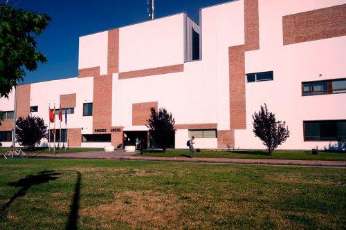 Edificio de la Policia en Los Nogales. Foto de Pedro Enrique Andarelli. Agosto 2016