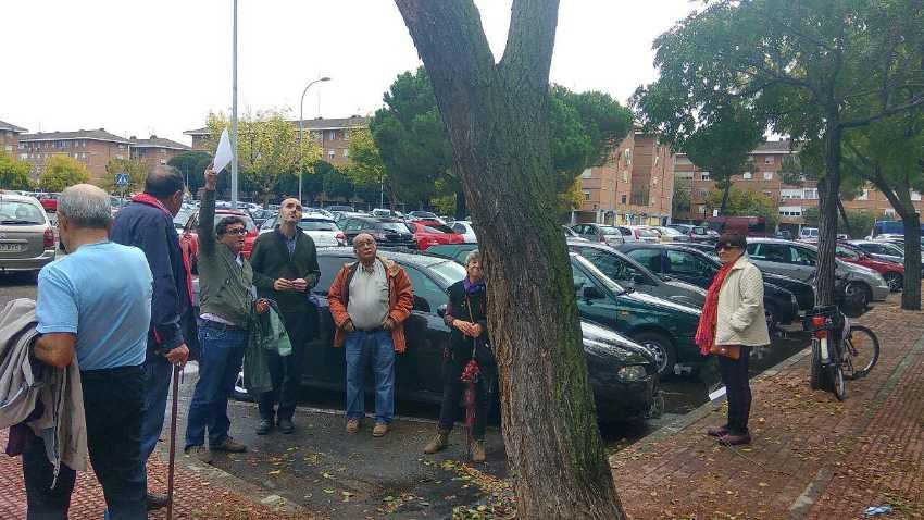 Alberto Egido, concejal de Medio Ambiente, explica a los vecinos del Distrito II las actuaciones en el arbolado