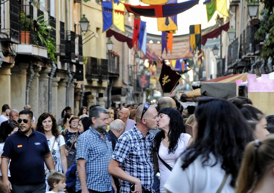 Beso en el Mercado Cervantino