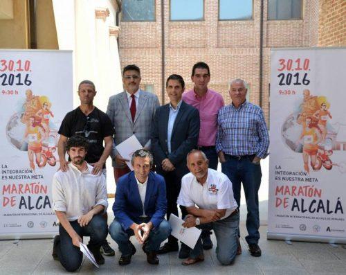Posado municipal con los promotores. Foto de Ricardo Espinosa Ibeas