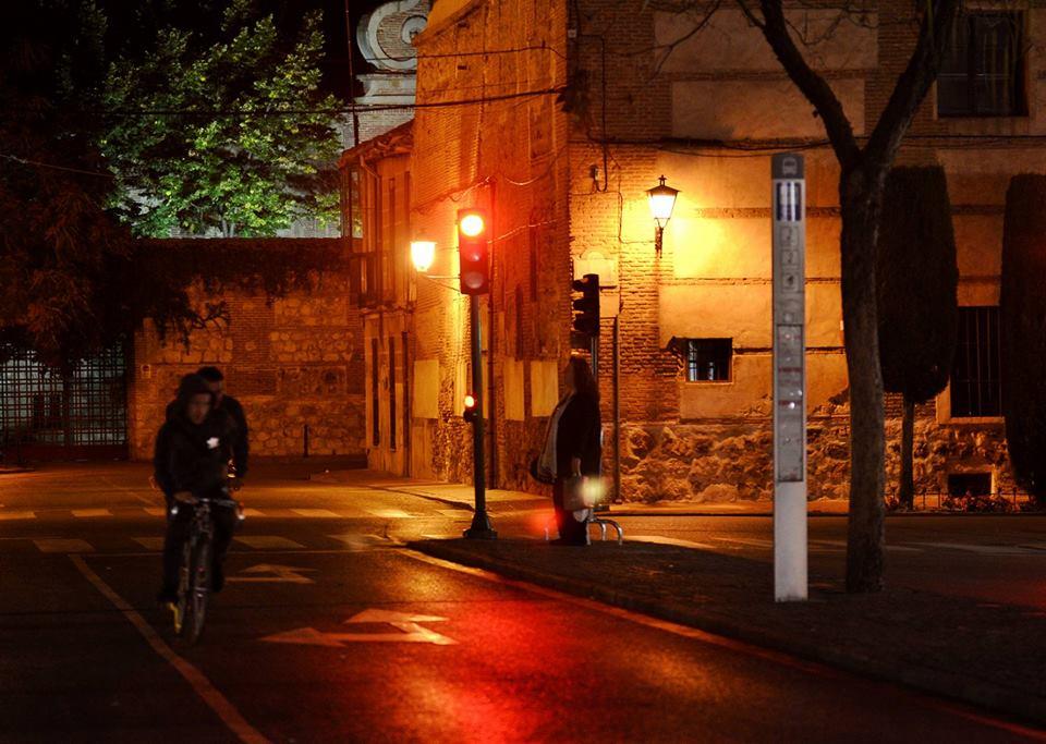 Nocturna de un céntrico cruce