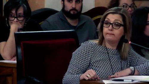 Pilar Fernández en el Pleno Municipal del 15 de noviembre