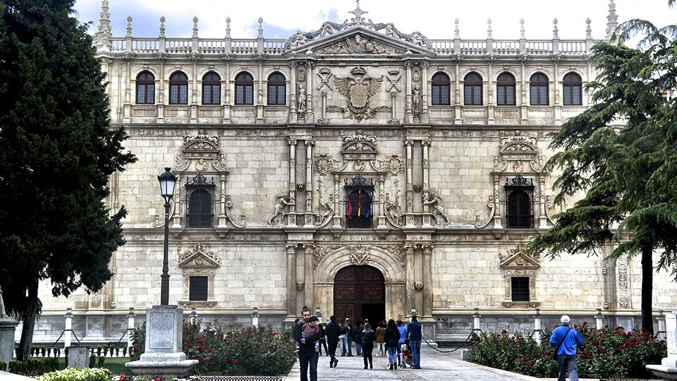 La Universidad cisneriana restaurada