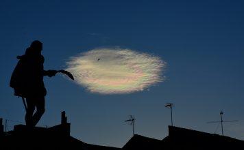 Espectacular nube irisdiscente de julio