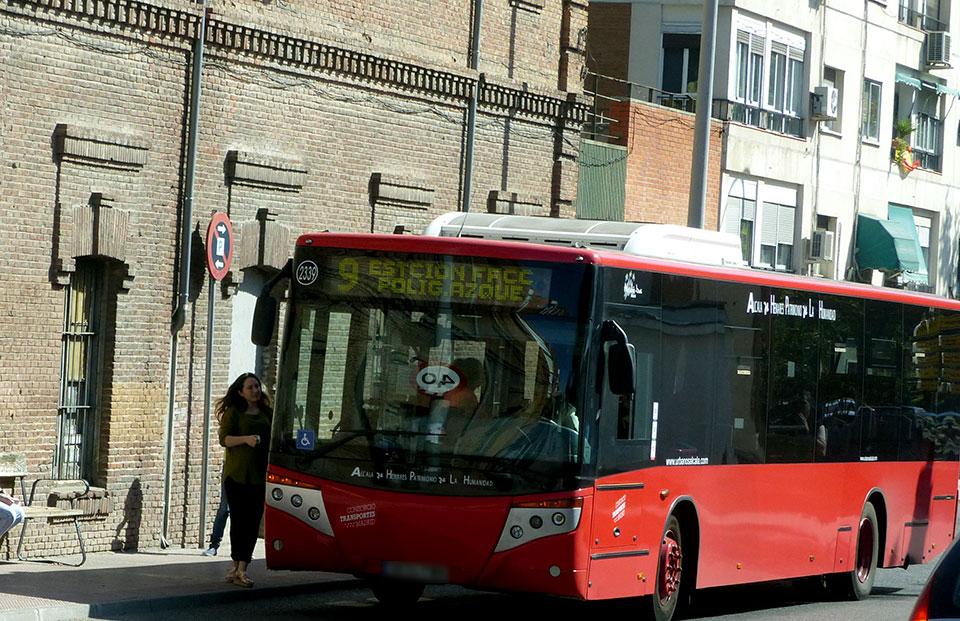 La l nea 9 de autobuses urbanos circula desde hoy por el for Autobuses alcala de henares