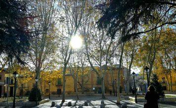 Fin de otoño en la Plaza de Palacio