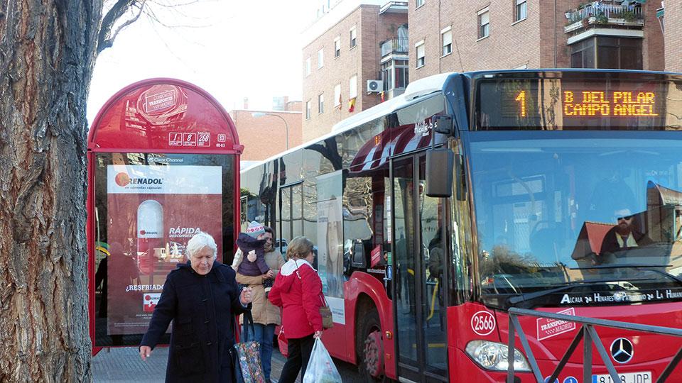 Retrasos continuos en las l neas de autobuses alcal hoy for Autobuses alcala de henares