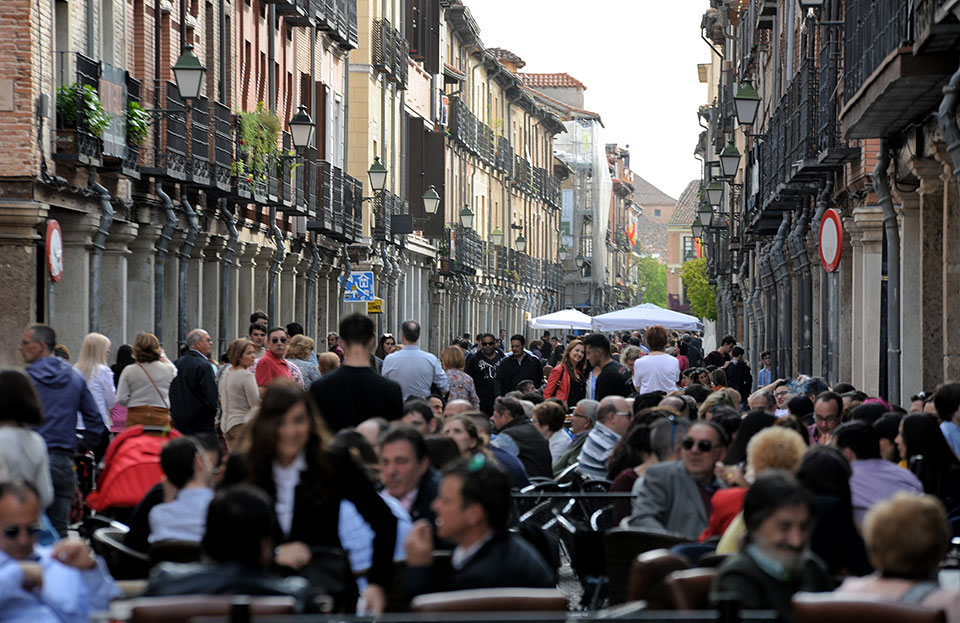 La Calle Mayor un domingo de abril