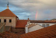 Retazo de arco iris en la ciudad patrimonio