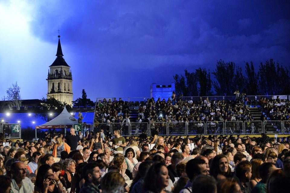 Resplandor de tormenta en los conciertos de la Muralla