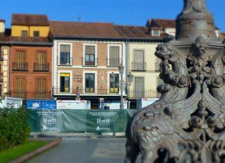 Una mirada a la Plaza de Cervantes