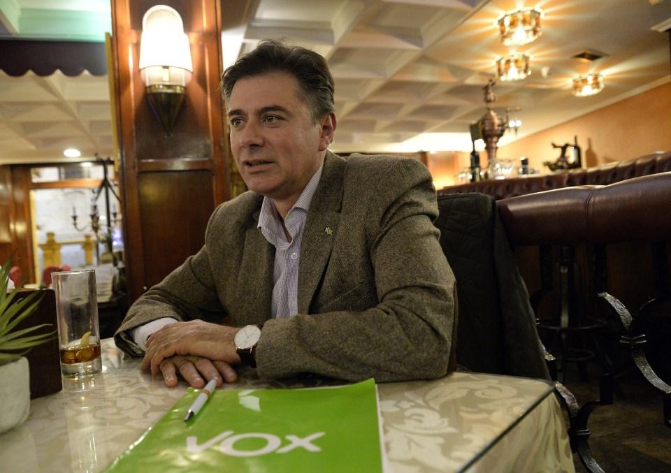 7cb80a6cd Javier Moreno