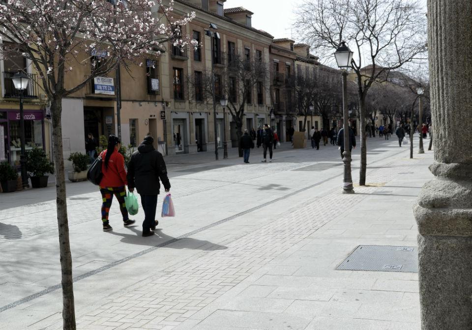 El primer prunus ya florece en la calle Libreros