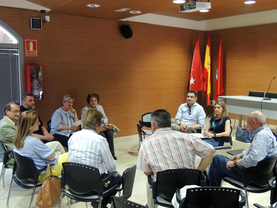 El PP de Alcalá se compromete a reforzar las becas comedor y ...