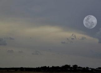 Luna de Nieve sobre Alcalá de Henares